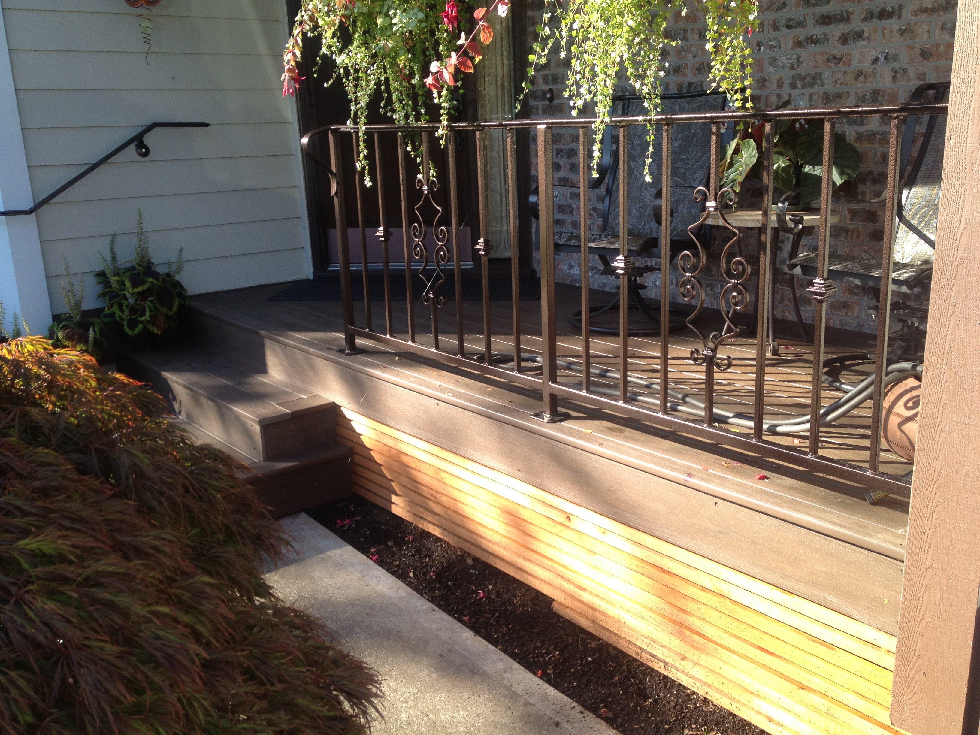 Deck w/designer metal rail