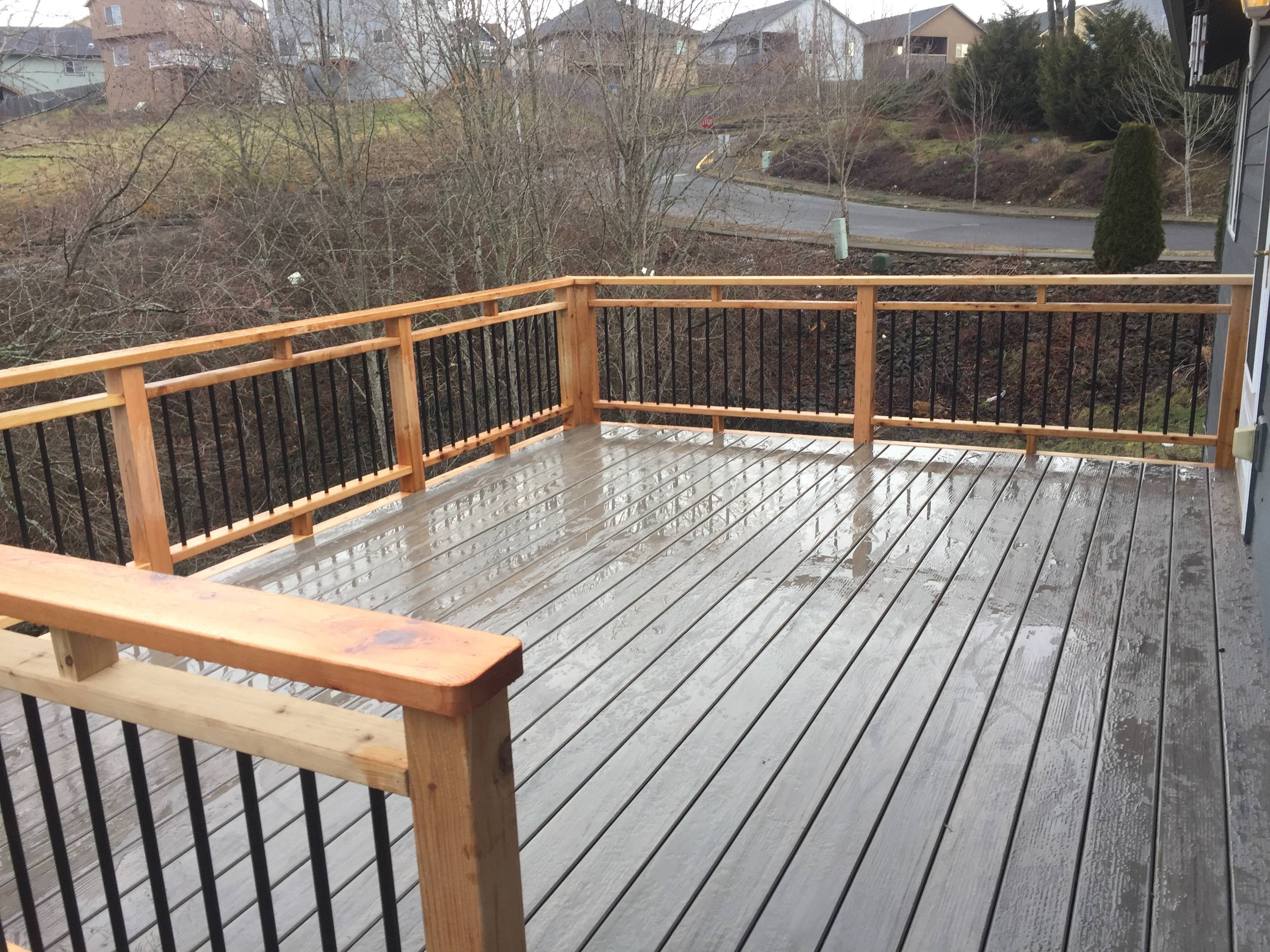 Timbertech Deck w/cedar rails and Dekorator pickets