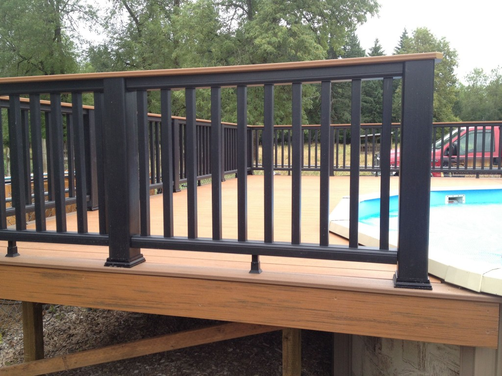 Trex railings w timbertech decking buildstrong construction for Composite deck railing