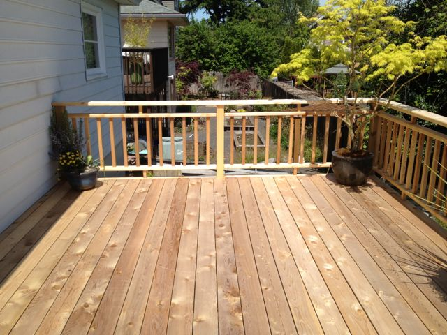 Cedar upper deck w/Cedar Rails
